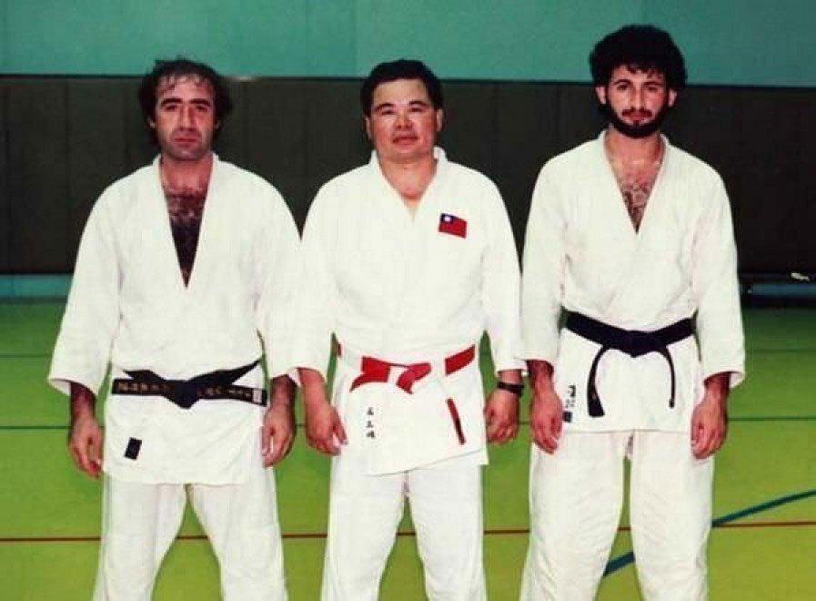 Foto storica di Osama Bin Laden dopo un allenamento di Judo