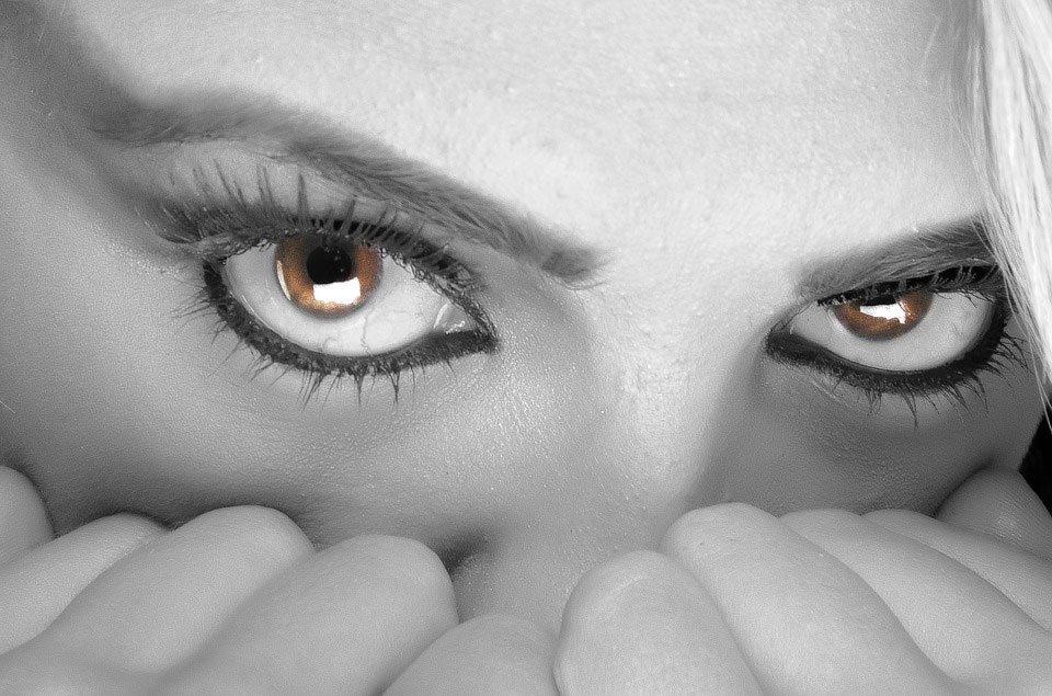 occhi-guardare-obiettivo