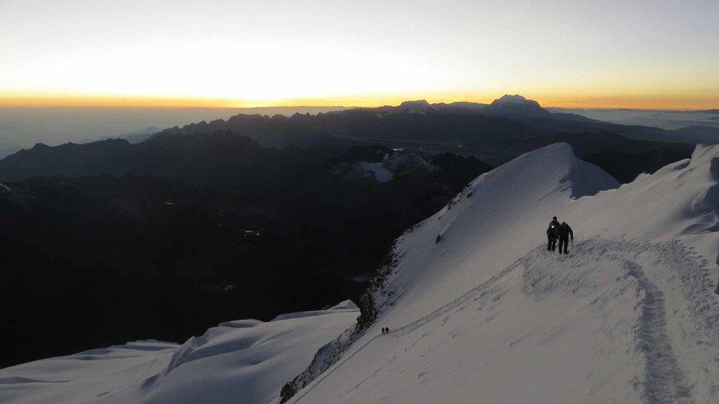 Vista-dalla-vetta-dell'Huayna-Potosi-(6.088-m.s.l.m.)