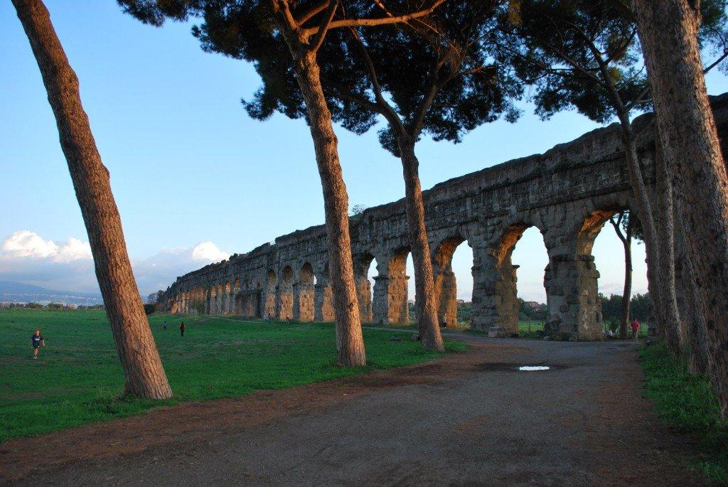 Parco_degli_acquedotti_01