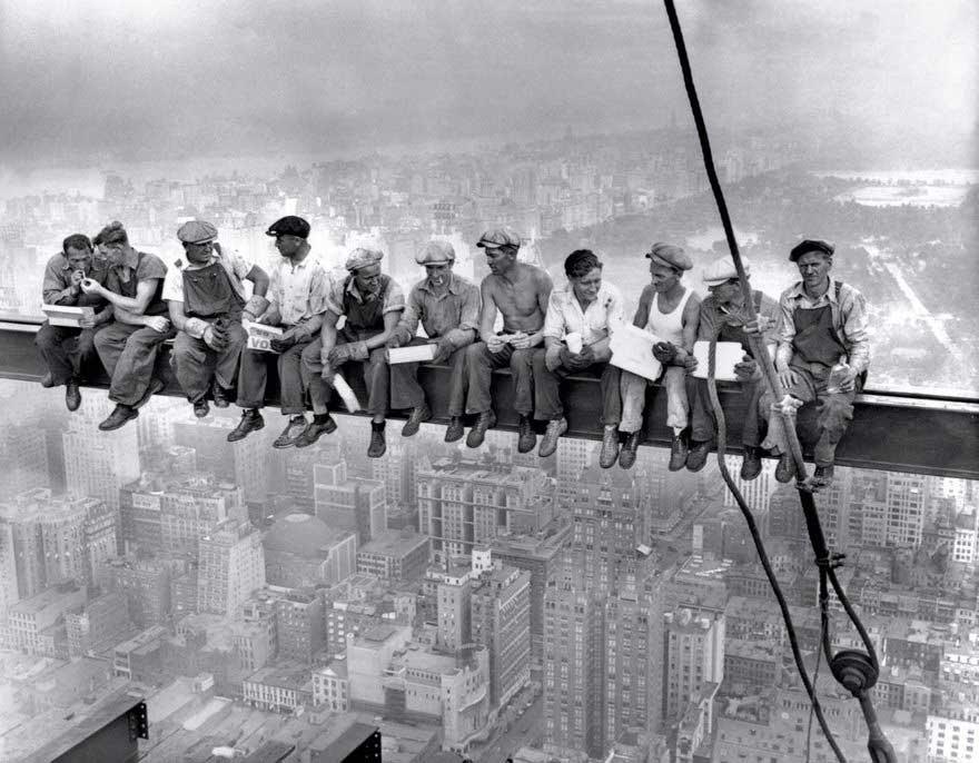 Lavoratori sul grattacielo