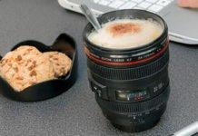Una tazza obiettivo per fare colazione da veri fotografi