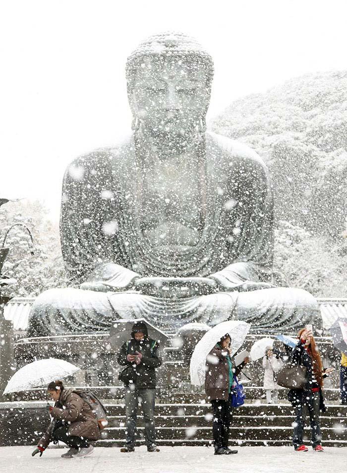 Tokyo con la neve di Kazuhiro Ibuki