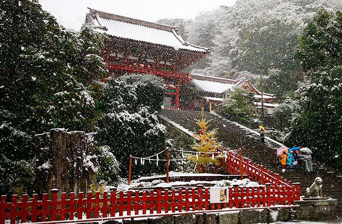 Tokyo con la neve di Shizuo Kambayash