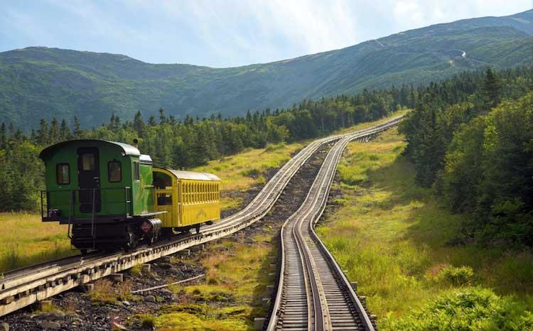 Fotografia Treni in viaggio di Ben Tucker