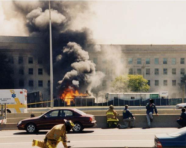 Foto dell'attentato al Pentagono dell'11 Settembre