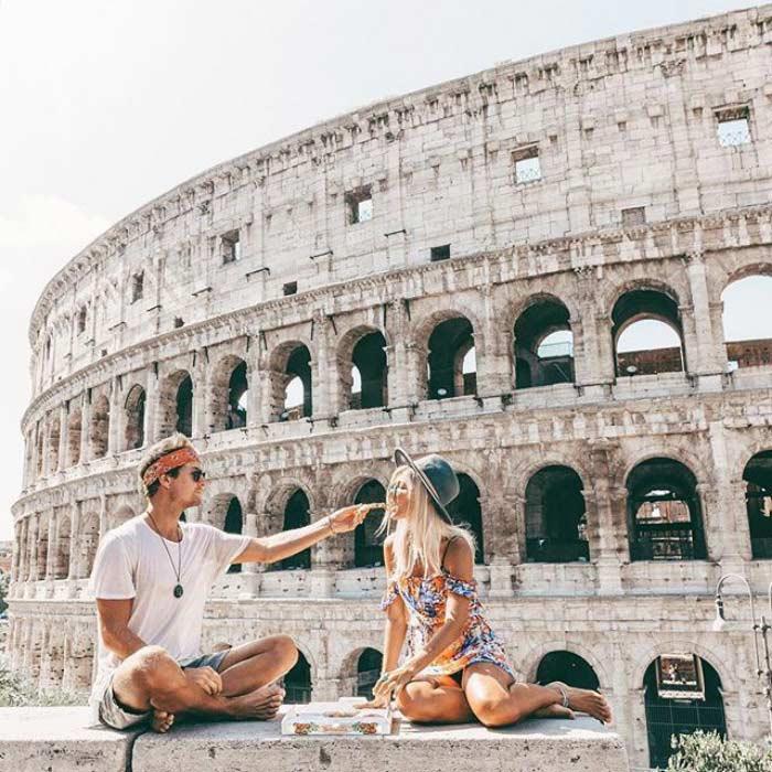 Jack Morris e Lauren Bullen, la coppia che guadagna viaggiando a Roma