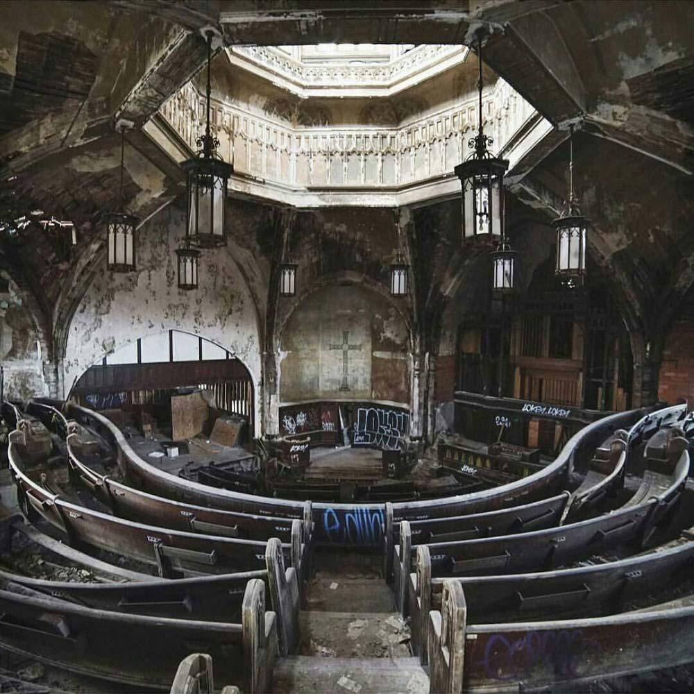 Detroit, chiesa abbandonata Stati Uniti. foto di © panog