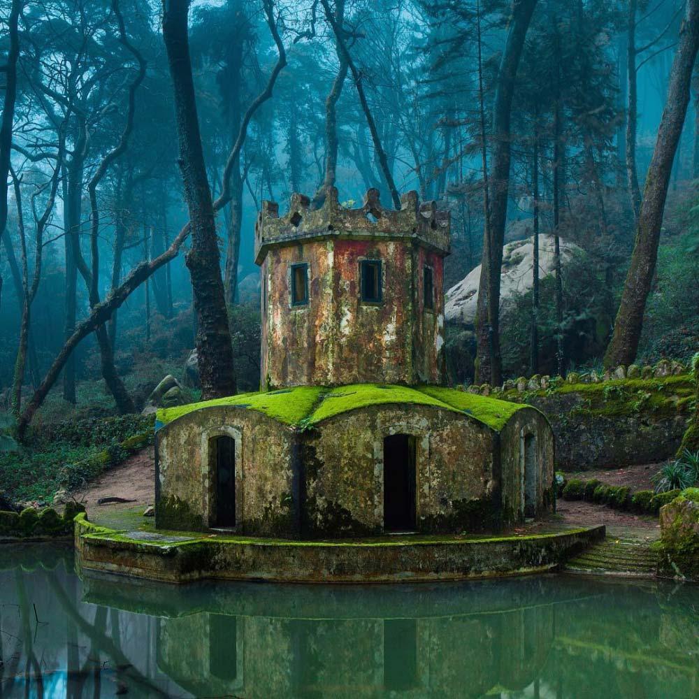 Antico castello a Sintra in Portogallo di © James Mills