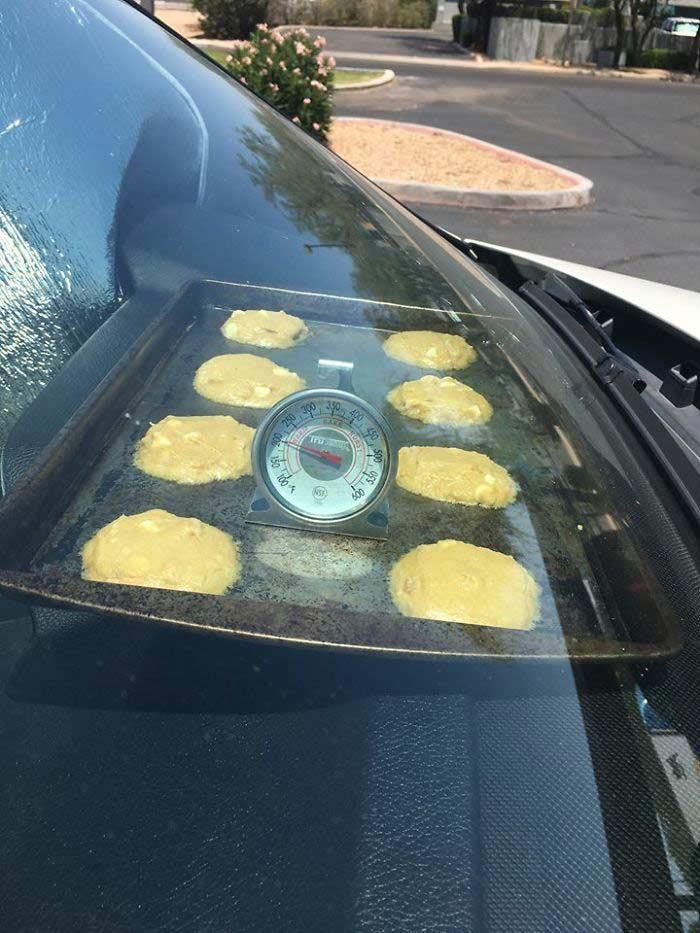Cucinare in macchina per il caldo