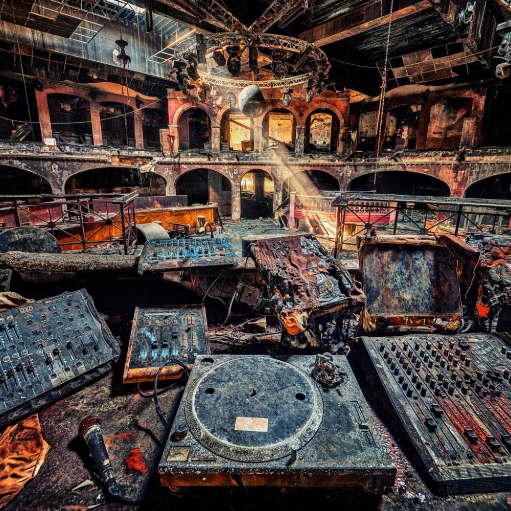 Discoteca in Austria devastata da un incendio. Foto di © Matthias Haiker