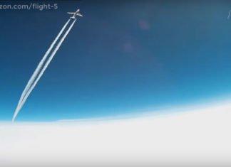 Gopro ad alta quota vicino aereo di linea