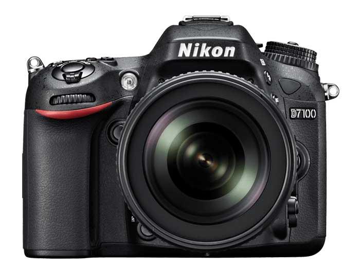 Nikon D7100 Fronte