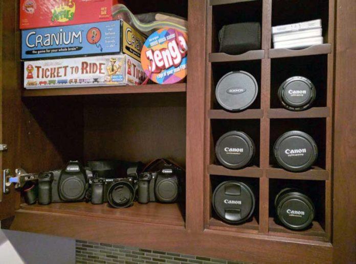 Organizzare gli obiettivi della fotocamera con il portavino