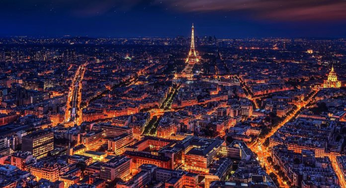 Torre Eiffel di notte, copyright