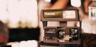 Polaroid causa alla Fujifilm