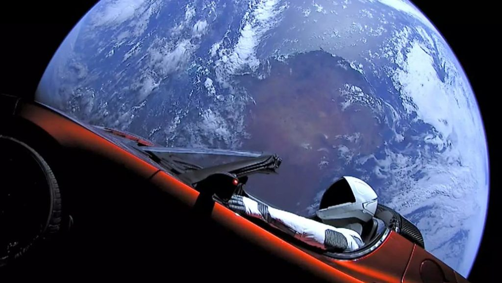 La Tesla lanciata nello spazio con SpaceX Falcon Heavy