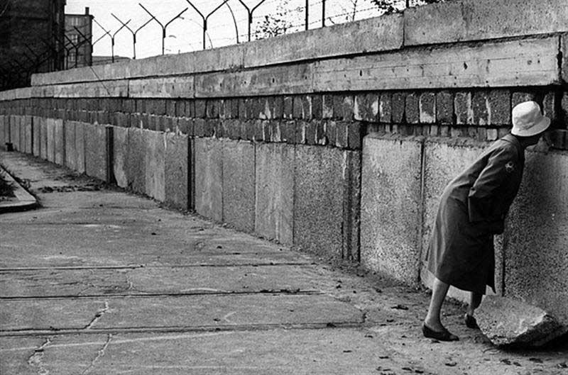 Foto storica del muro di Berlino