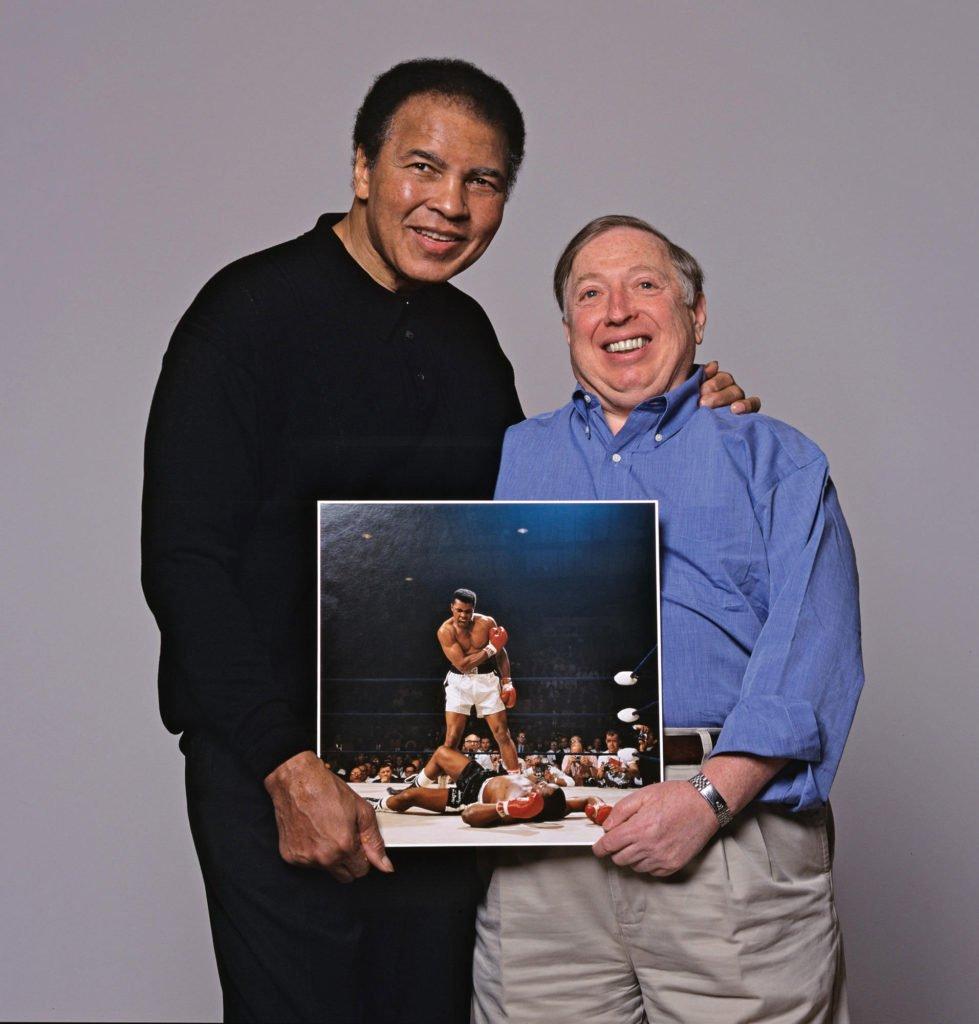 Neil Leifer e Muhammad Ali con l'immagine del KO