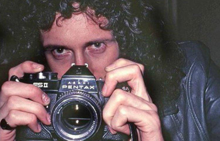 Bryan May è un amante della fotografia stereoscopica