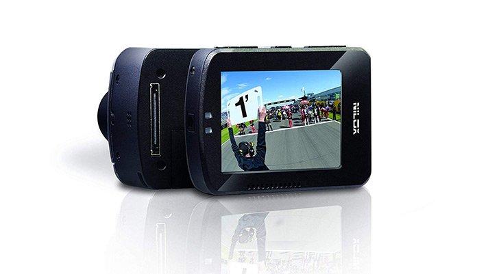 La Nilox F60 permette di staccare lo schermo per risparmiare batteria