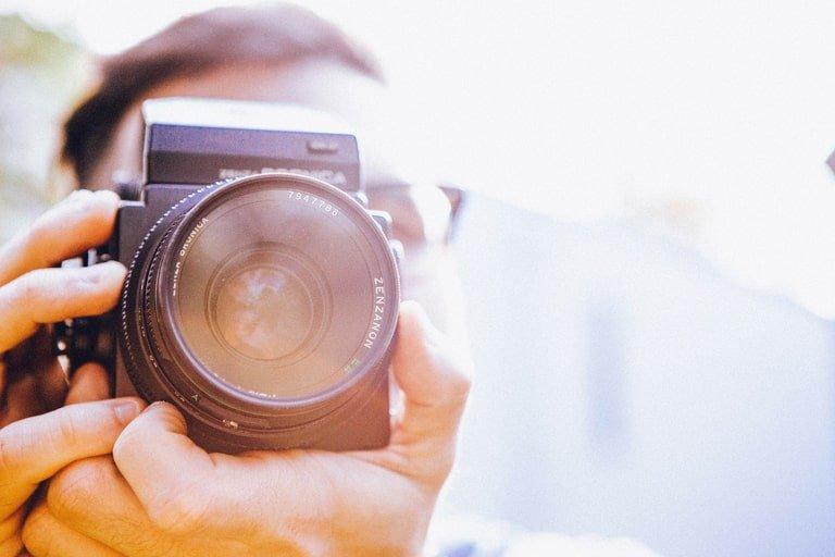 Modificare la velocità di scatto di una fotocamera