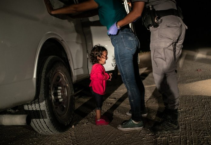 La foto vincitrice del World Press Photo di John Moore