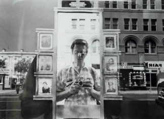 Autoscatto di Lee Friedlander